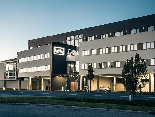 EBG Referenz-Projekt-Bild: LEHA-Vorhangschienen Werner Hanisch KG