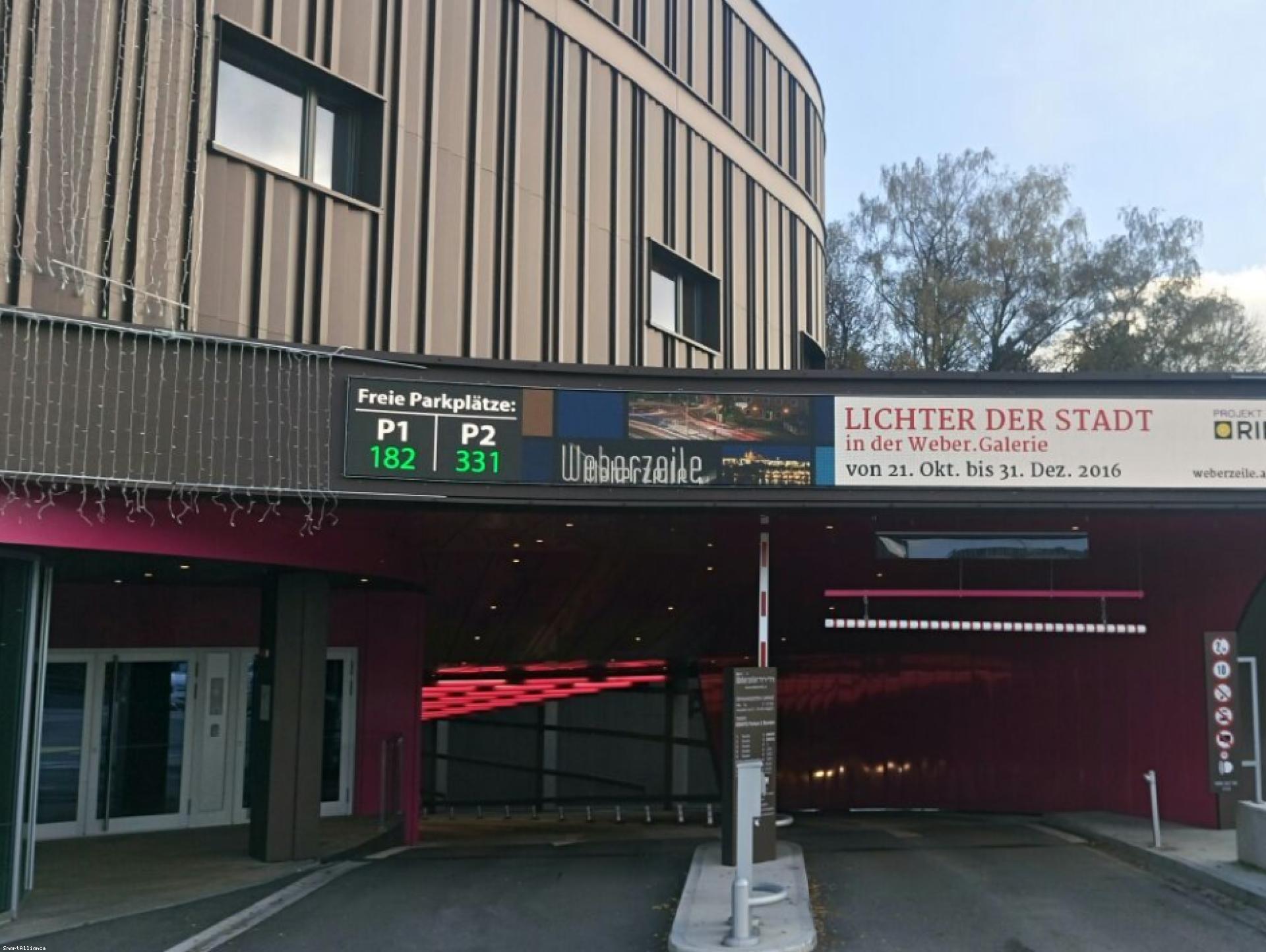 Mood-Image ELIN Referenz: Weberzeile LED-Banner