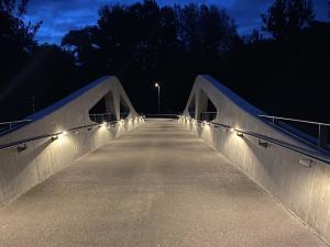 ELIN Referenz Bild: Beleuchtung der Geh- und Radweg-Brücke