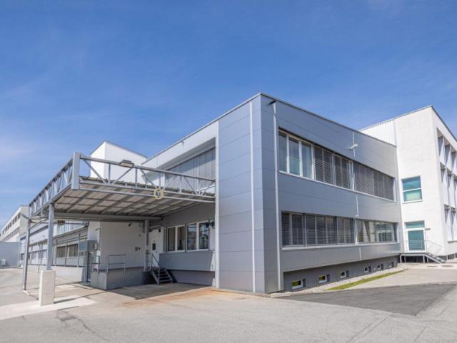 ELIN Referenz-Projekt-Bild: W&H Dentalwerk Bürmoos GmbH – Werk II - Umbau Halle 1