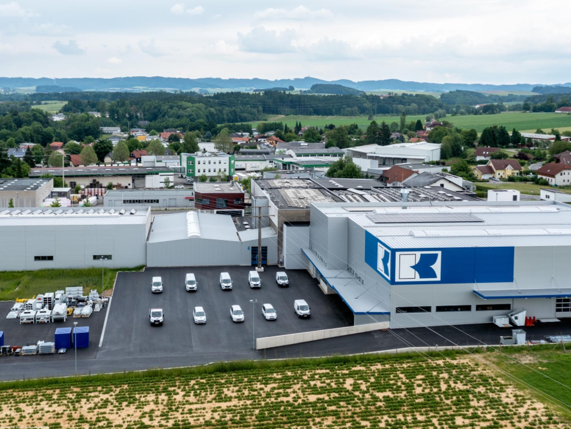 Mood-Image EBG Referenz: Albert Knoblinger GmbH & Co. KG - Erweiterung Montagehalle