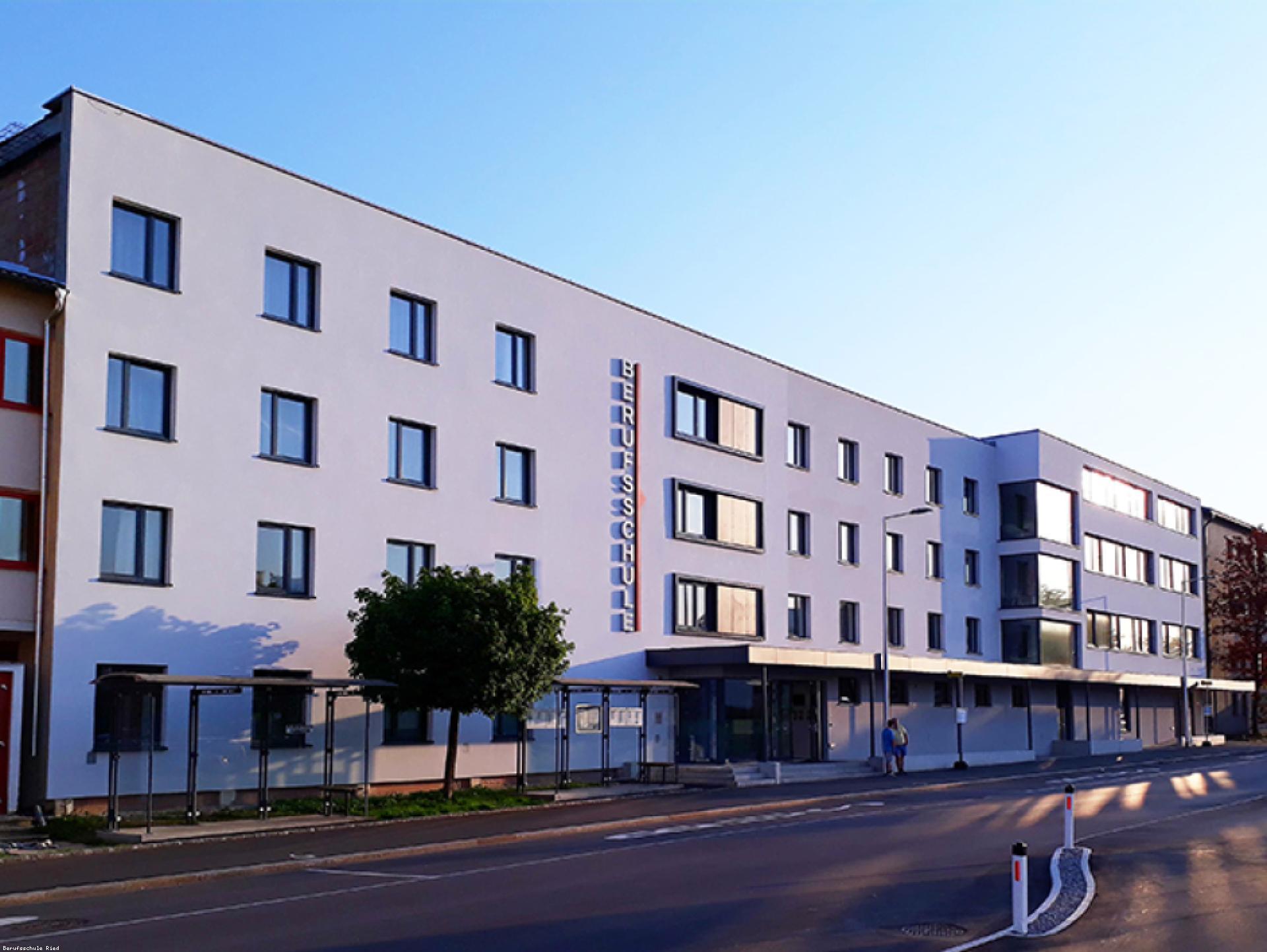 Mood-Image EBG Referenz: Berufsschule Ried im Innkreis, Internat Generalsanierung